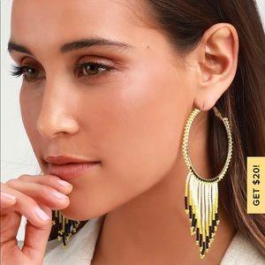 NWT Lulus earrings